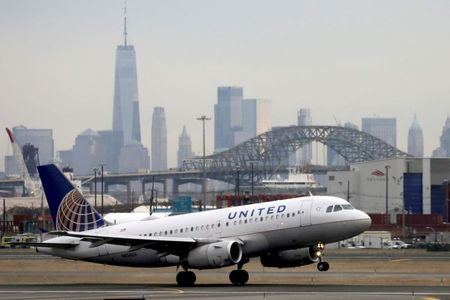 United says more than 97% of U.S. employees are vaccinated