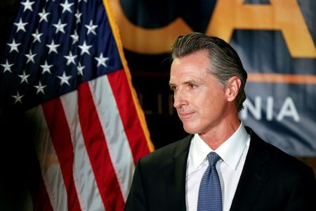 California governor signs legislation to protect warehouse workers