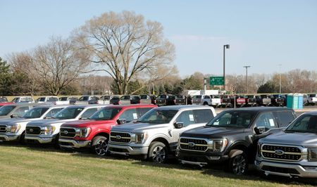 Supply chain snarls could cost automakers $210 billion this year, forecast finds
