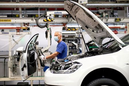 German economic recovery loses momentum in Sept – flash PMIs