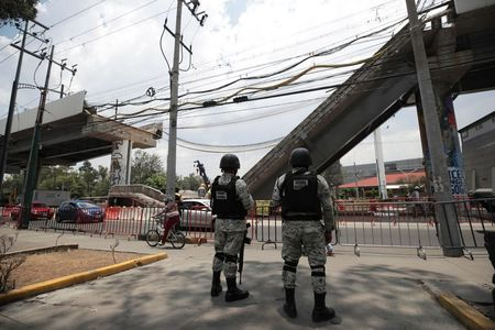 Grupo Carso agrees to repair Mexico City's collapsed metro line